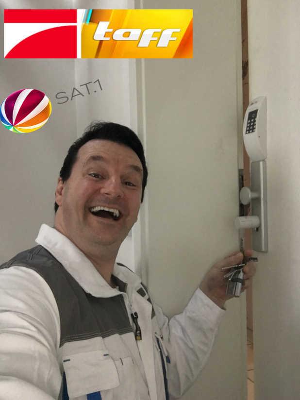 Schlüsseldienst Schlüsselnotdienst Würselen Monteur Kar Pro 7 und Sat1